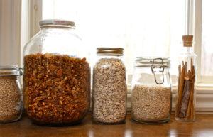 Откуда берется моль в квартире и как ее найти. Чем и как избавиться от моли в квартире в домашних условиях и предотвратить её повторное появление